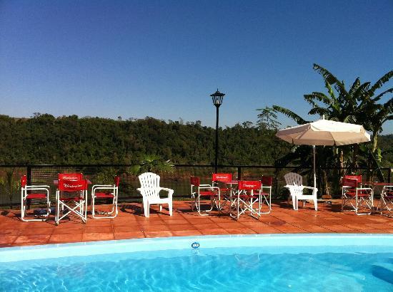 Costa del Sol Iguazu: Piscina