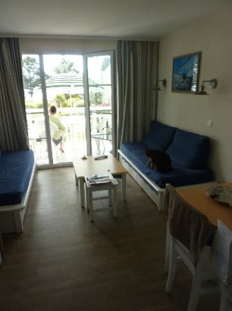 Pierre & Vacances Résidence Cap Azur : Salon