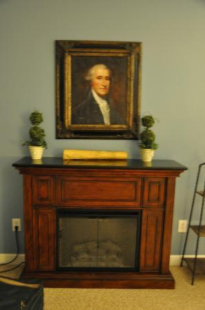 Kilmarnock Inn: Martha Washington Suite