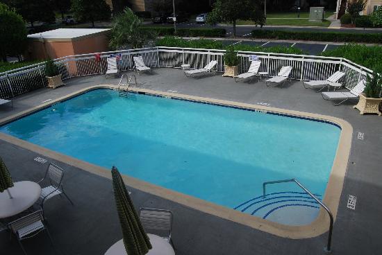 Baymont Inn & Suites Savannah Midtown: Great pool!