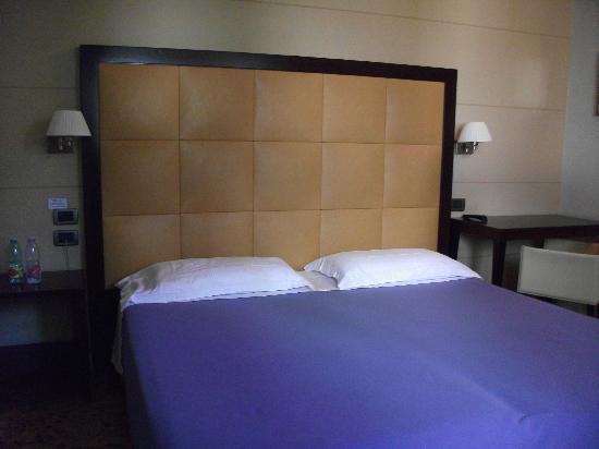 Hotel Novecento: HABITACION