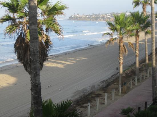 باسيفيك تيراس هوتل: Beach View from our balcony 