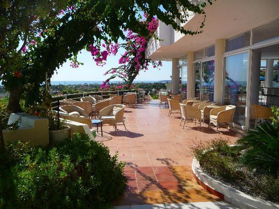 Iris Hotel: Seating