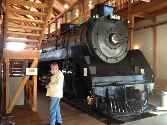 Revelstoke Railway Museum : CPRs 2-8-2