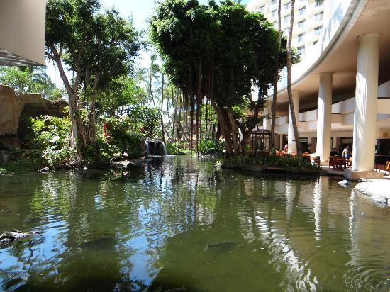 Westin Maui Resort And Spa: center courtyard