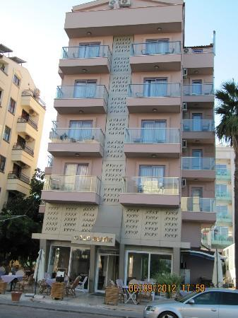 Gold Butik Hotel: small building , big and confortable rooms