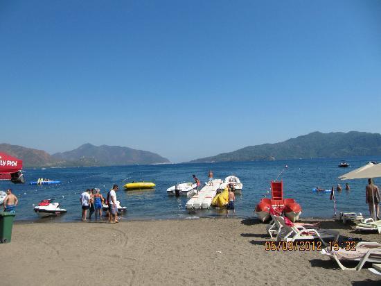Gold Butik Hotel: the beach