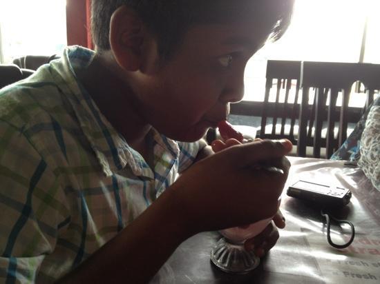 Slow Juicer In Sri Lanka : Straberry Juice - kuva: Adma Agro fresh strawberry foods, Nuwara Eliya, Sri Lanka, Nuwara Eliya ...