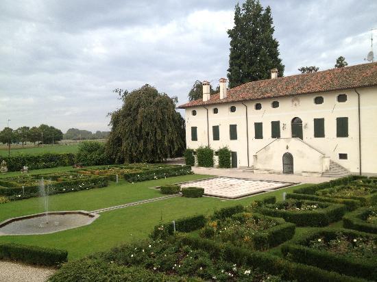 Borgo dei Conti della Torre: View from the room