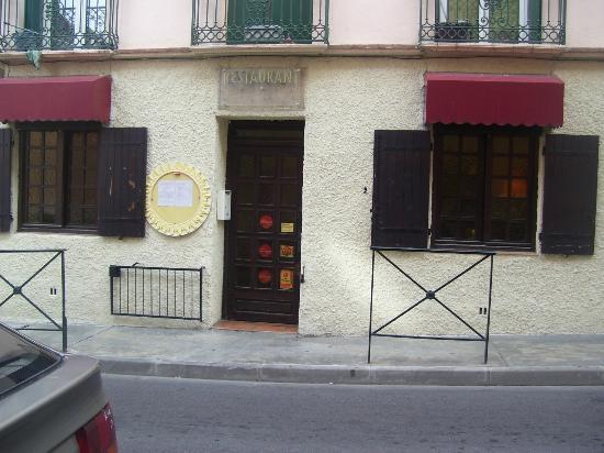 entree du restaurant LA GARRIANE