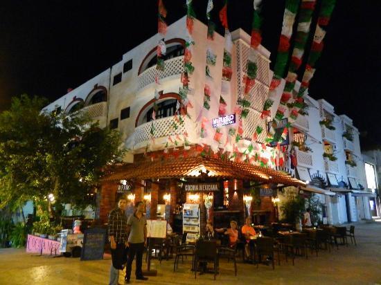 Maya Del Mar: dinning
