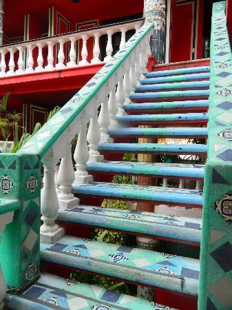 جونجلا كاريبي: Stairs