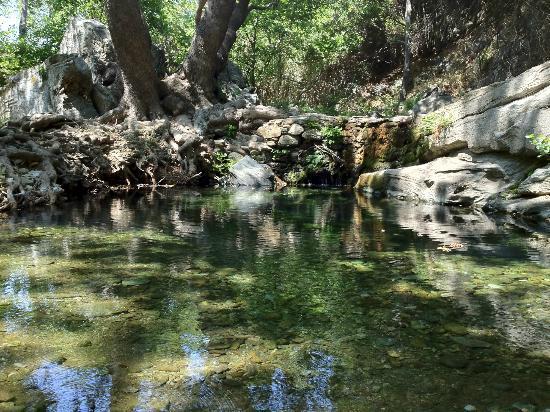 Onar: river