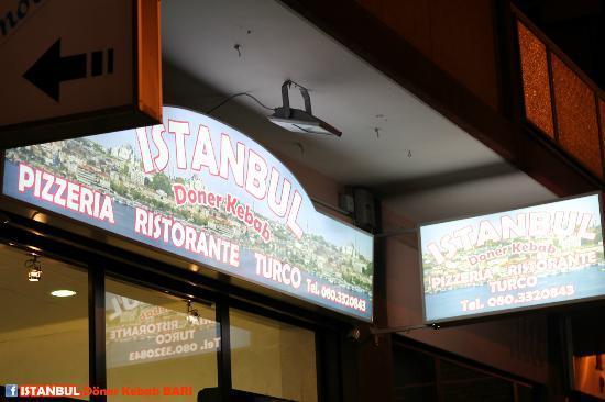 Istanbul Doner Kebab: Insegna esterna
