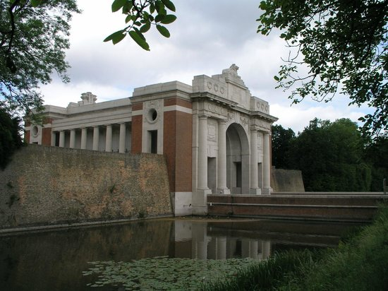 Ypres, Belgique : Menin Gate memorial