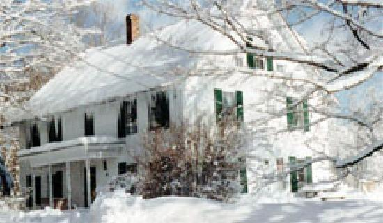 Maple House Bed & Breakfast: Maple House B&B, Winter
