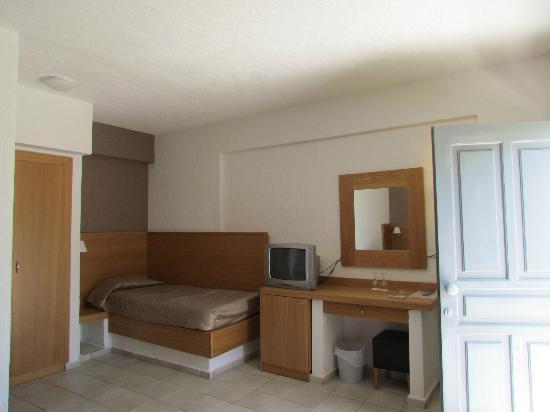 Analipsi, Grecia: Une vue de la chambre