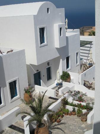 Oia's Sunset Apartments: View from my window
