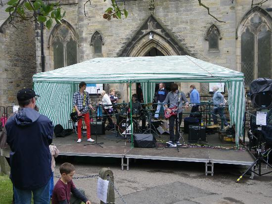 Katerina's Guest House: Band at the street fair