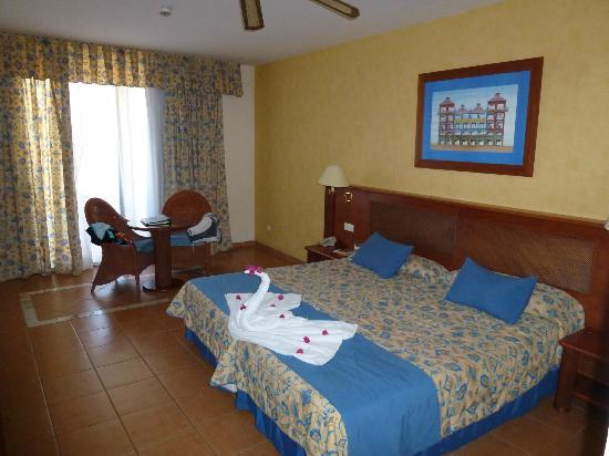 Sunlight Bahia Principe Costa Adeje: Spacious rooms