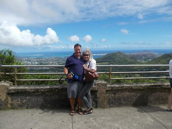 Nuuanu Valley Rain Forest: at the overlook
