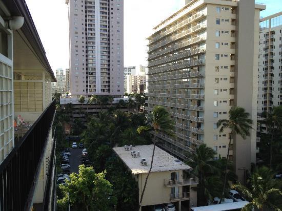 Hokele Suites Waikiki: balcony view