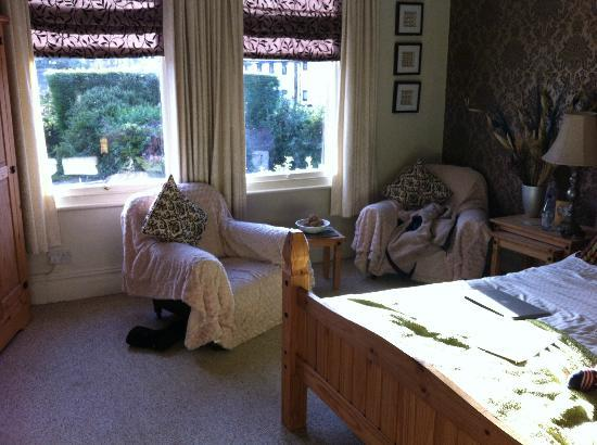 Staveley House: The Classic Room