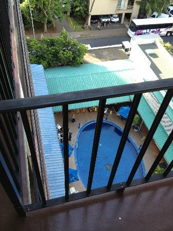 Hokele Suites Waikiki : from front balcony