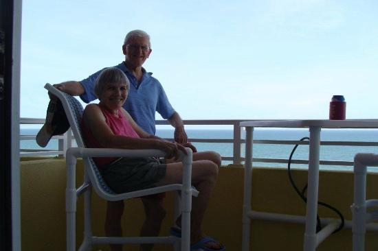 Wyndham Ocean Walk: MOM AND DAD ON MY BALCONY.