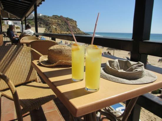 Burgau Beach Bar: View from the outside of Beach Bar
