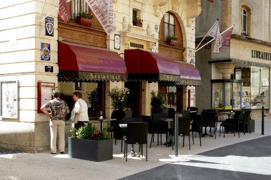 restaurant de la basilique à Paray le Monial