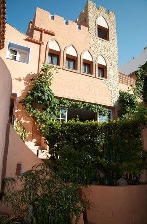 Amanhavis Hotel & Restaurant: the main building