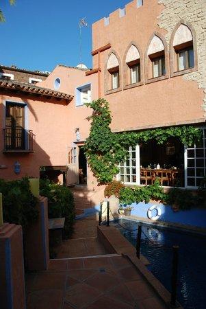 Amanhavis Hotel & Restaurant: Beautiful buildings