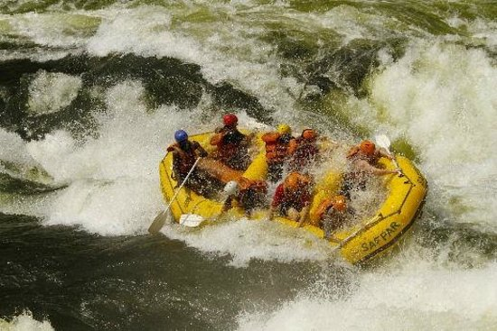 Safpar Rafting Company : Zambezi rapids