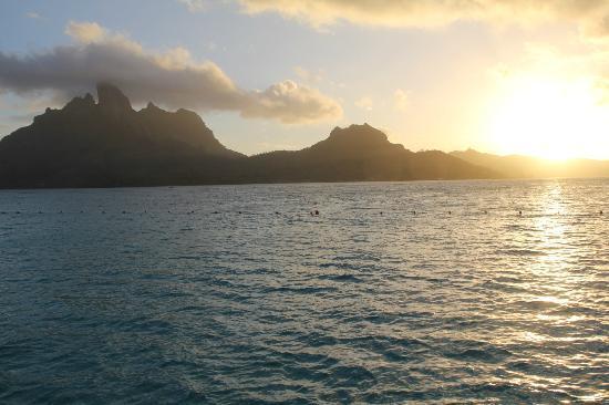 The St. Regis Bora Bora Resort: Mt. Otemanu