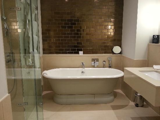 Rudding Park Hotel: Wonderful bath