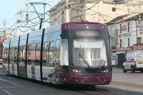 Blackpool Tramway: Flexity 005 at North Pier