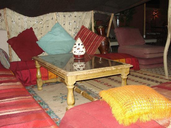 Riad Tamarrakecht : La tenda beduina sulla terrazza..