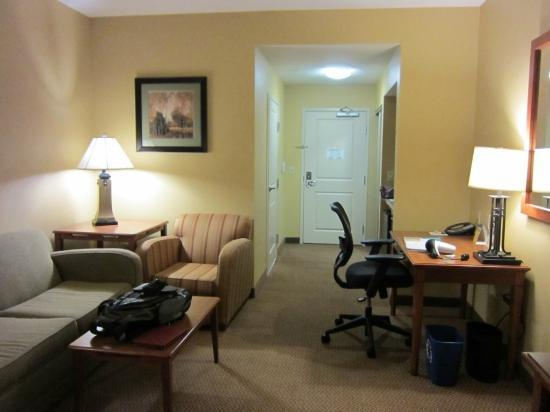 Best Western Plus University Park Inn & Suites: living area, a bit snug