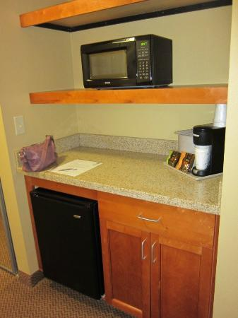 Best Western Plus University Park Inn & Suites: convenient fridge and microwave with counter
