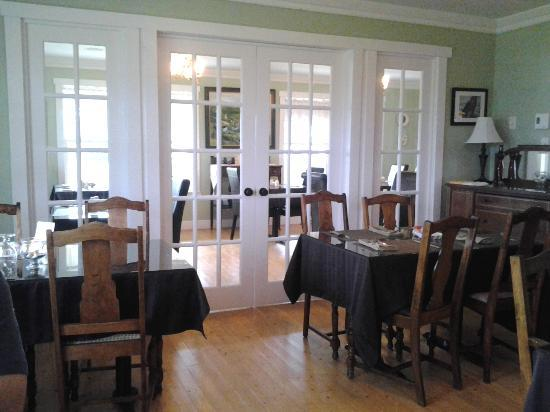 The Bread and Cheese Country Inn: two dining rooms