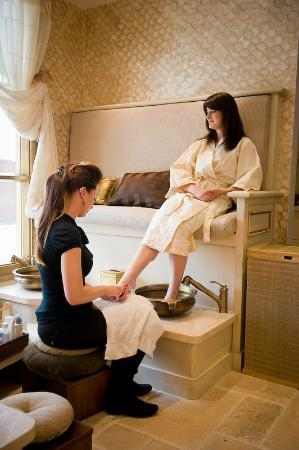 Portola Hotel & Spa at Monterey Bay: Pedicures at Spa On the Plaza