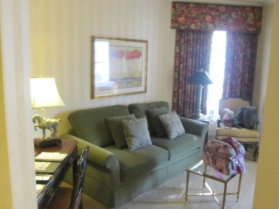 Mayflower Park Hotel: Living Room
