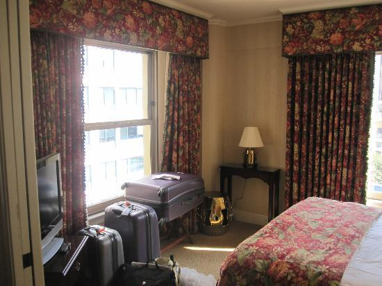 Mayflower Park Hotel: Bedroom