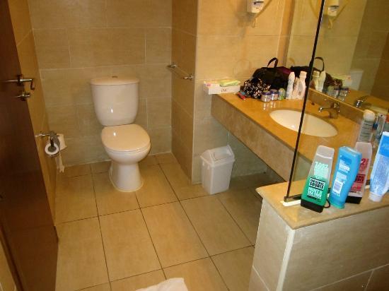 Jaz Mirabel Club: bathroom