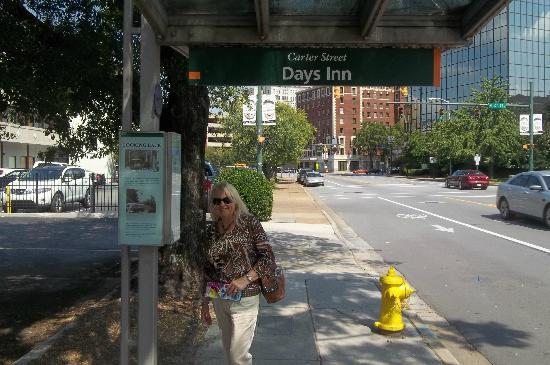 Days Inn Chattanooga-Rivergate: Waiting for the Electric Trolley