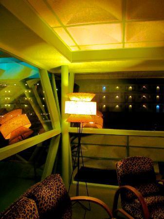 Caribbean Motel: 1950s Lamp 