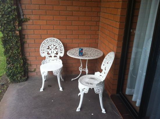 Crystal Fountain Motel: balcony/patio setting