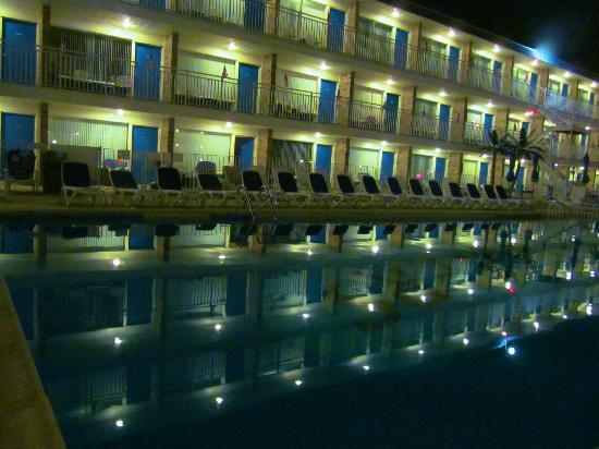Tangiers Resort Motel 사진