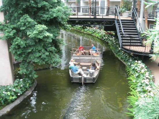 Lord Opryland Resort Gardens Boat Trip At Hotel